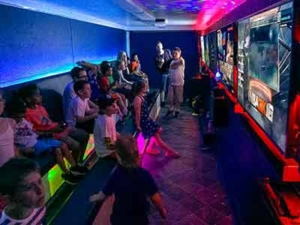 Mobile video game party with GameTrucks GT